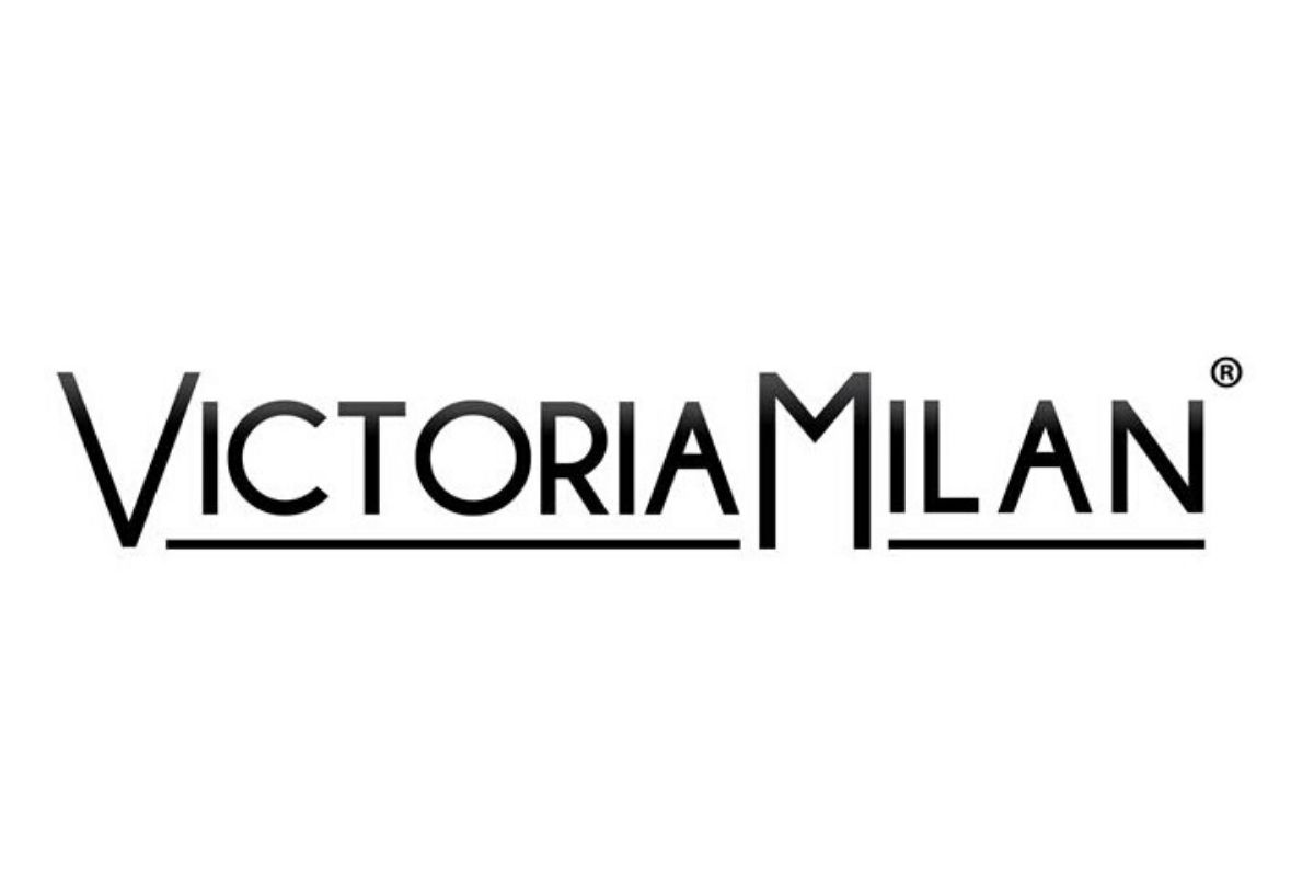 victoria milan recensione