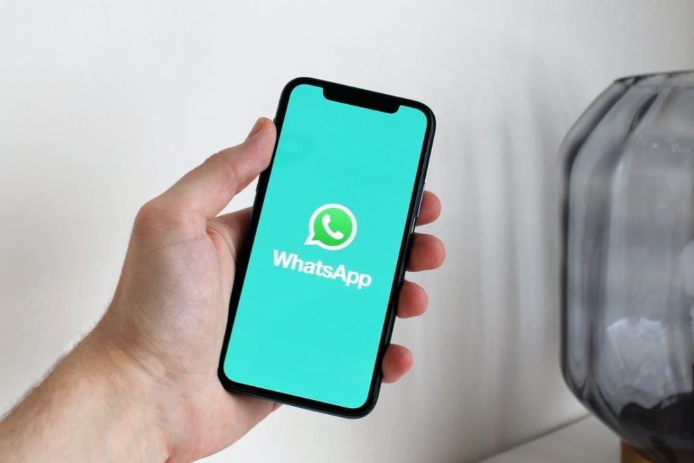 whatsapp sta scrivendo a chi